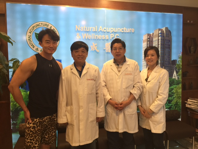 Dr. Li, Jianmin came to visit Decheng Medical Center on June 23, 2015